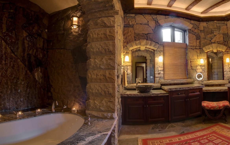 Bathroom Cairns