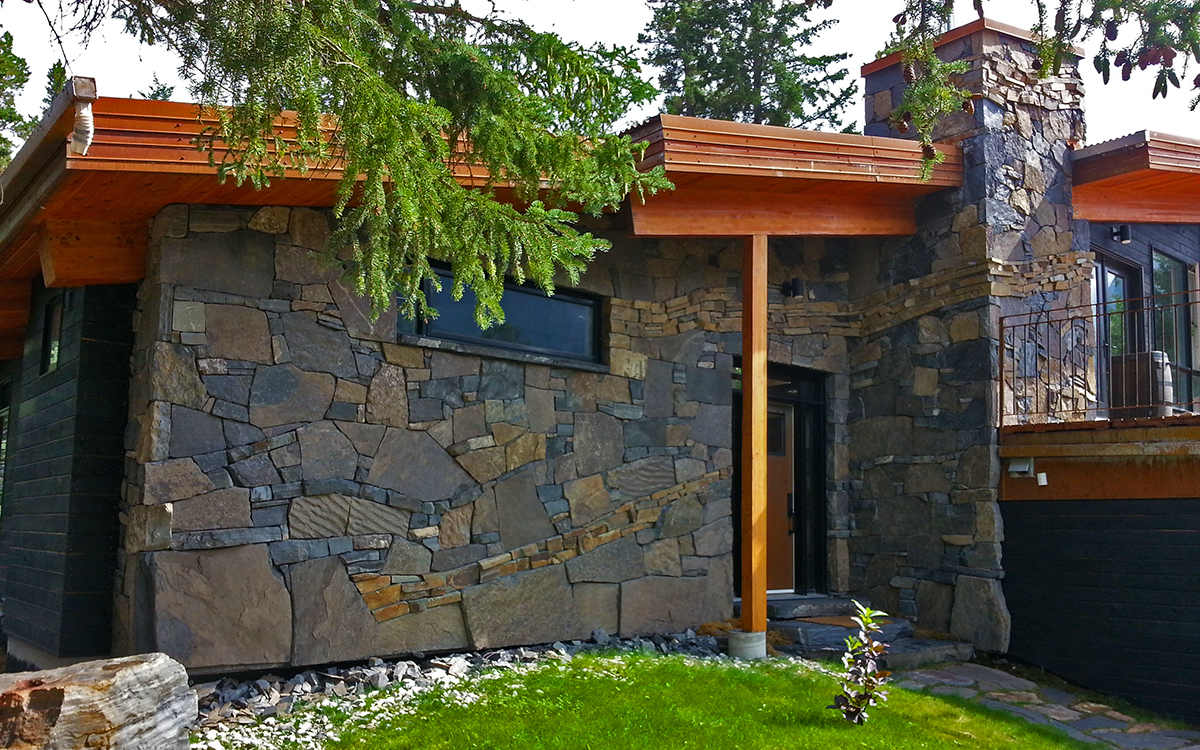 Canmore Residence – Artistic use of rundlestone (random/dry pack)