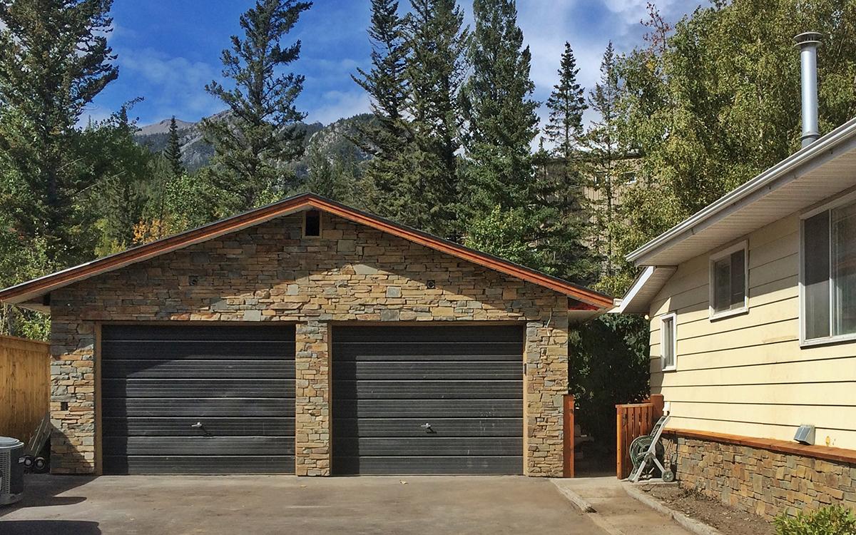 Bungalow renovation – garage + lower residental exterior, Exshaw