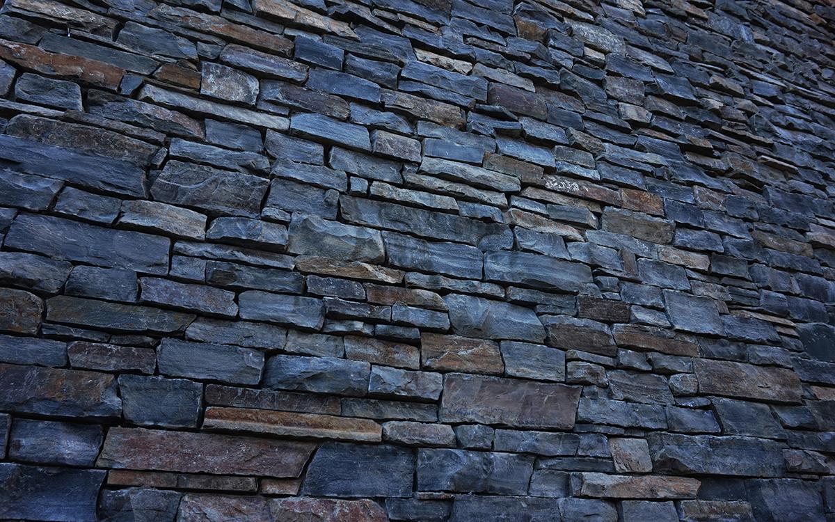 Rundlestone dry pack exterior wall – Moose Hotel